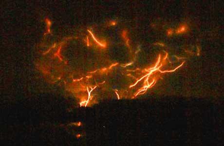 Volcano Lightning: Alaska's Redoubt Goes Electric